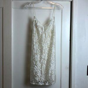 Beautiful vintage lace fronts slip chemise medium
